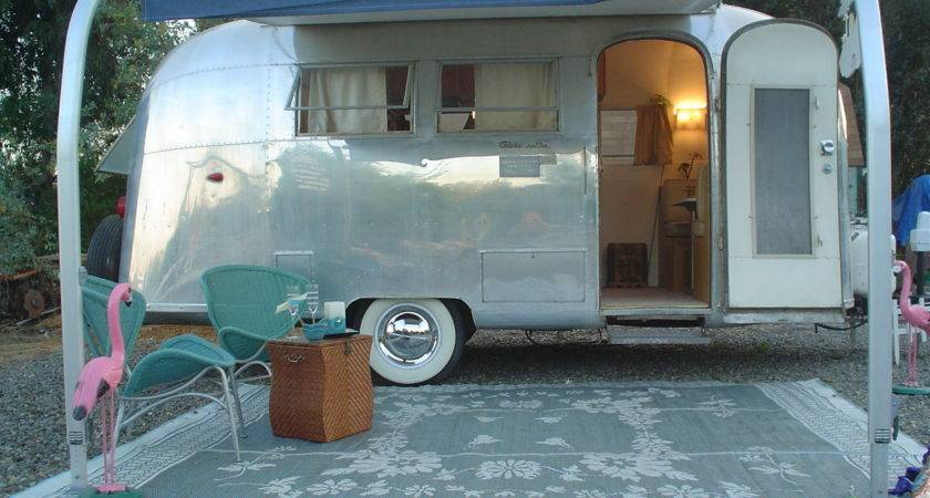 Airstream Globetrotter
