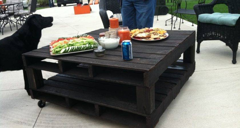 Amazing Diy Pallet Tables