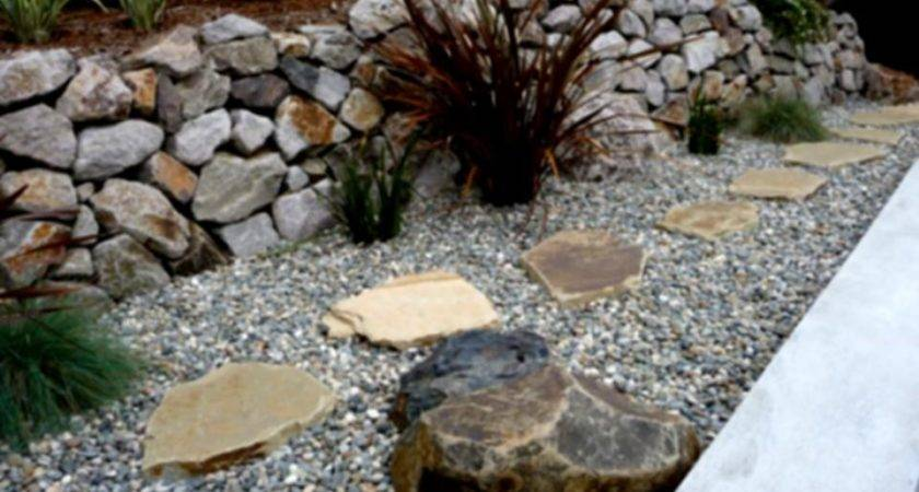 Amazing Green Landscaping Ideas Mulch Rock Shrubs