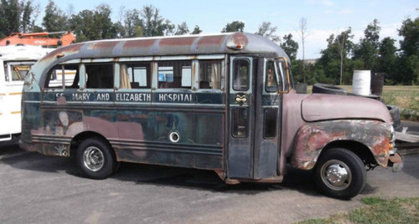 Autoholic Old School Bus