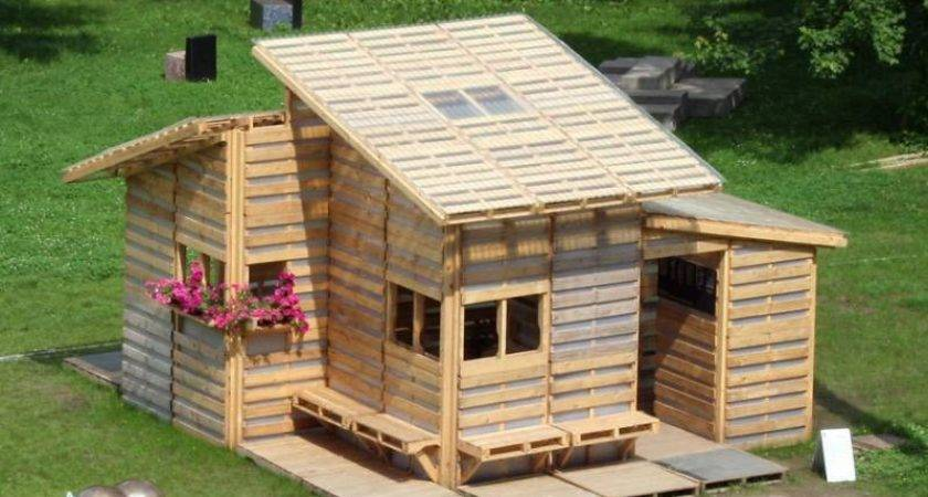 Awesome Pallet House Built