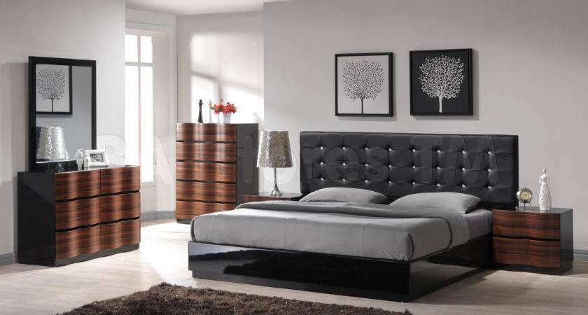 Beautiful Grey Bedroom Furniture Design Theme Ideas