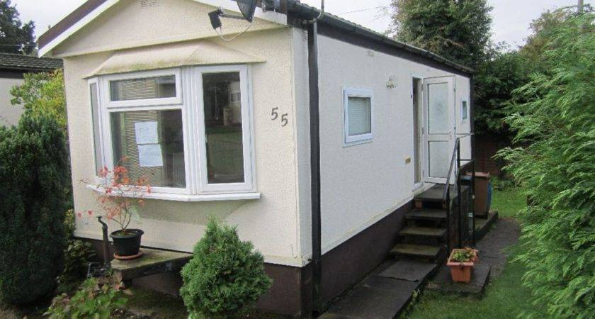 Bedroom Mobile Home Sale Newlands Park Bedmond