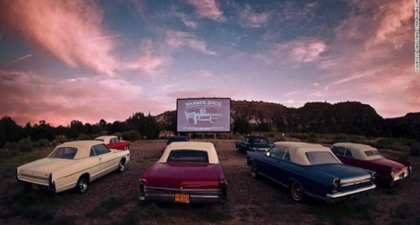Bioskop Outdoor Yang Unik Dan Menyenangkan