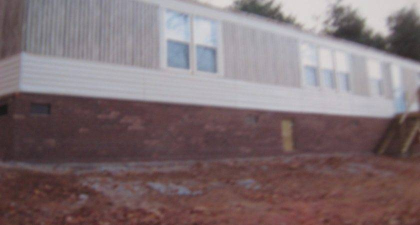 Block Skirting Under Manufactured Home Lay Wet Dry