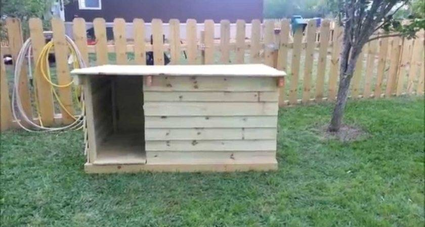 Build Simple Dog House Out Some Wooden Pallets Pic