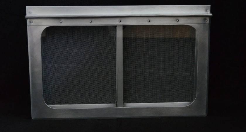 Bulli Bus Air Stream Fenster Vintage Sundial