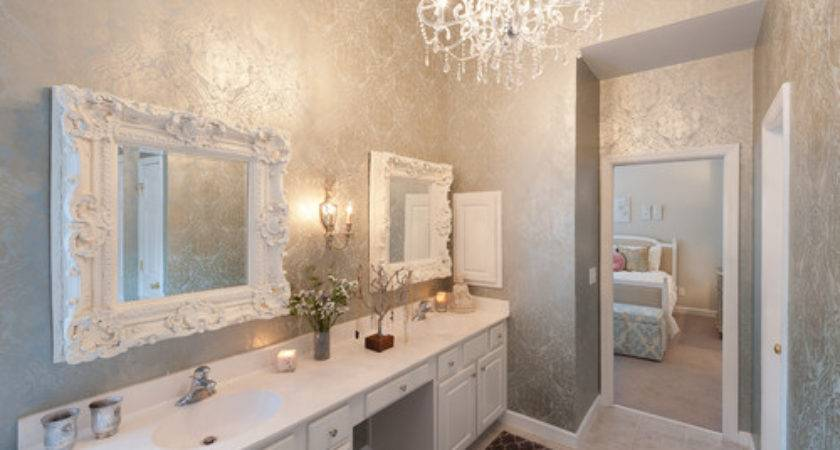 Can Our Bathroom Without Peeling