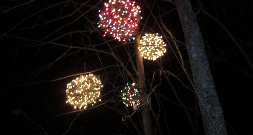 Chicken Chick Wire Lighted Christmas Balls