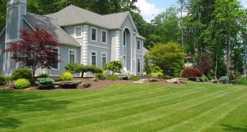 Clean Lawn Landscape Ideas Ranch Style Homes
