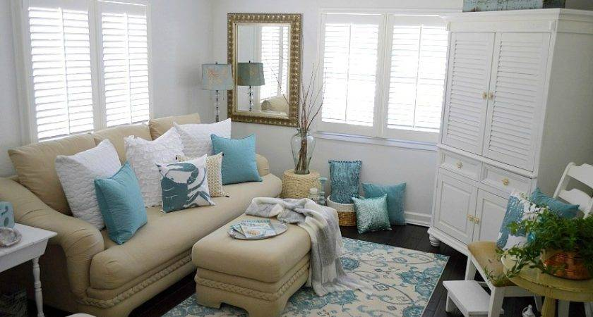 Coastal Cottage Summer Living Room Fox Hollow