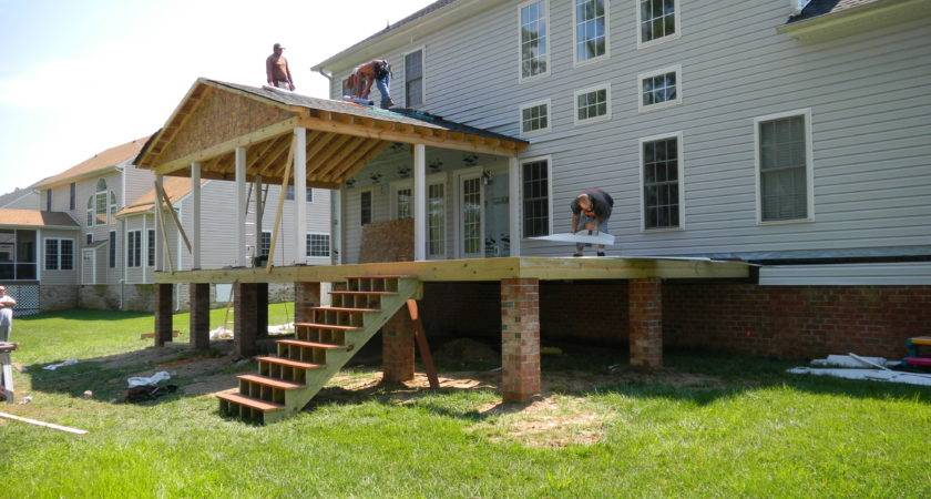 Composite Deck Overhang Modern Shed Roof Screened Porch