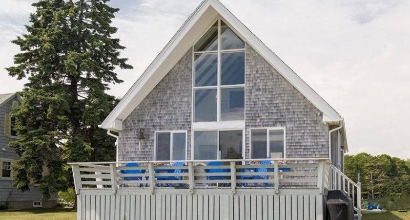 Cozy Beach Cottage
