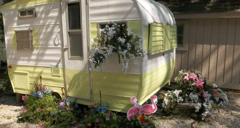Cozy Campers Decoratoo