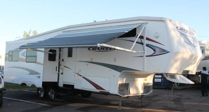 Crossroads Cruiser Camper Travel Trailer