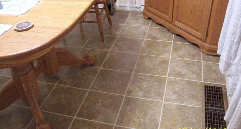Customer Snapstone Floating Porcelain Tile System