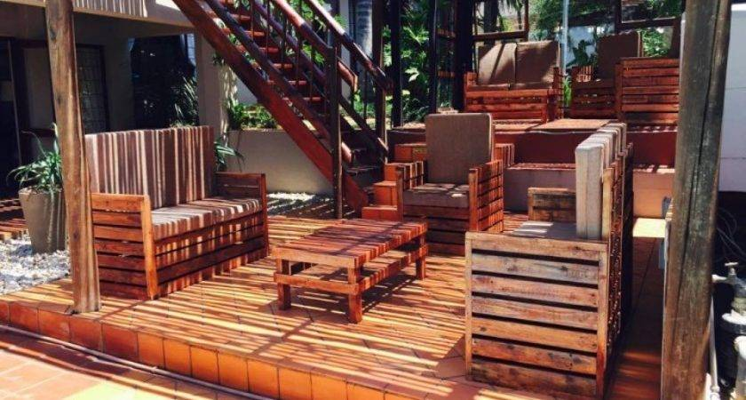 Cute Pallet Wood Made Patio Set Ideas Recycled