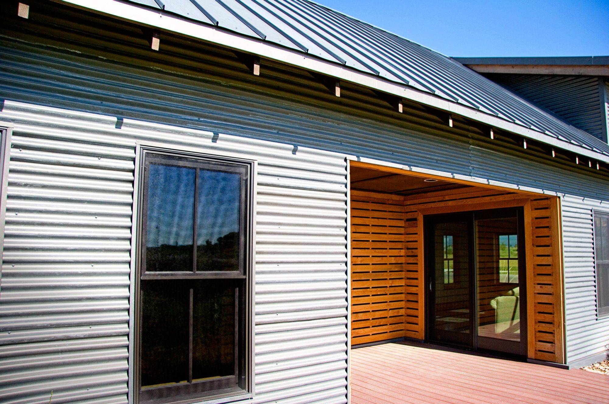 Decorate Exterior Using Corrugated Metal Siding - Get in ...