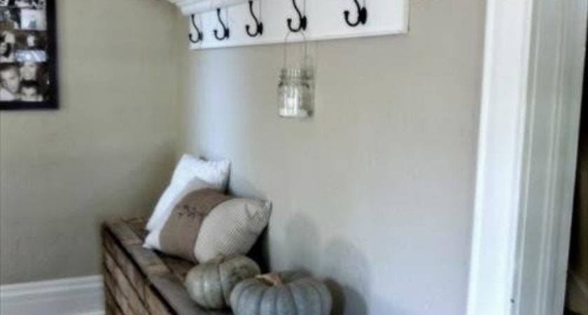 Decorate Your Rustic Corner Pallets Designs
