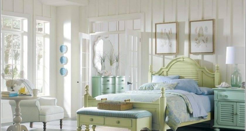 Design Some Coastal Interiors