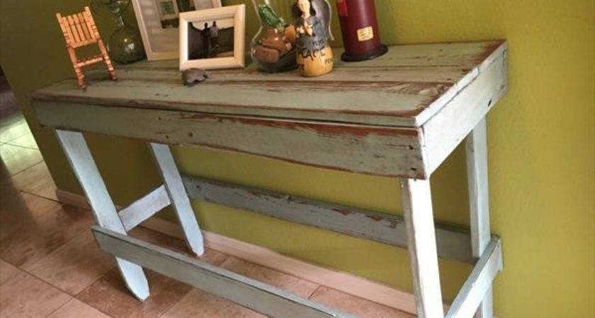 Diy Distressed Pallet Entryway Table Furniture Plans