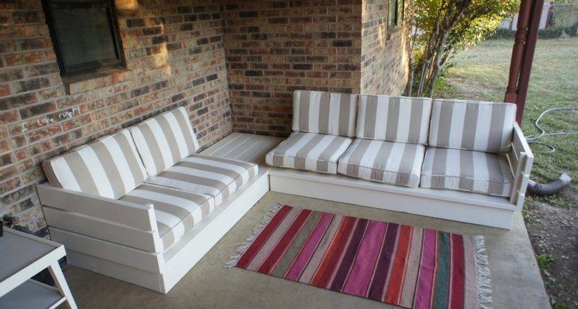 Diy Pallet Couch Tips Tricks Make More Comfortable