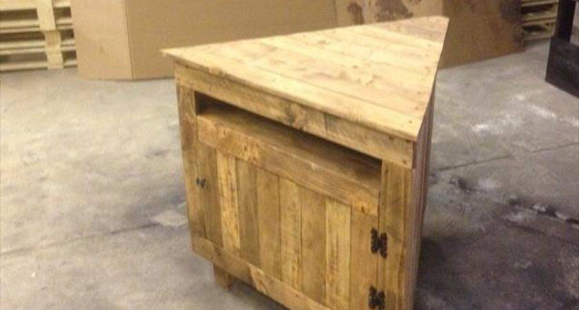 Diy Pallet Sectional Media Stand Wooden