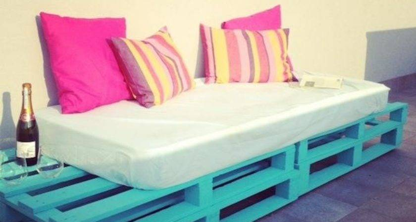 Diy Pallet Sofa Outdoor Daybed Idees Solutions