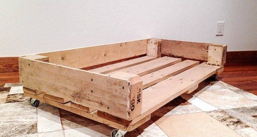 Dog Bed Out Recycled Wooden Pallets Pallet Design Ideas