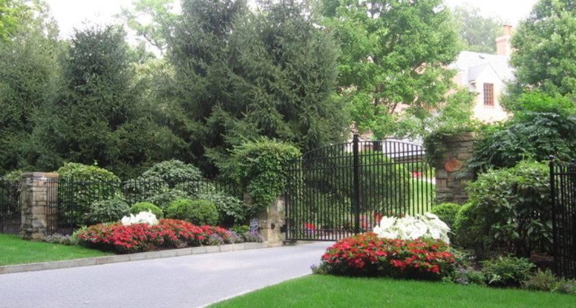 Driveway Landscape Design Plantings Traditional
