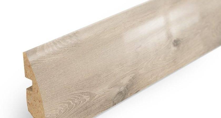 Elesgo Satin Oak High Gloss Rounded Skirting Board