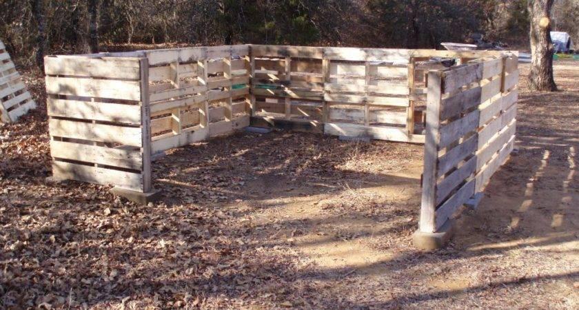Farmer Martindale Wood Pallet Shed
