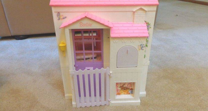Fold Out Doll House Mattel Barbie