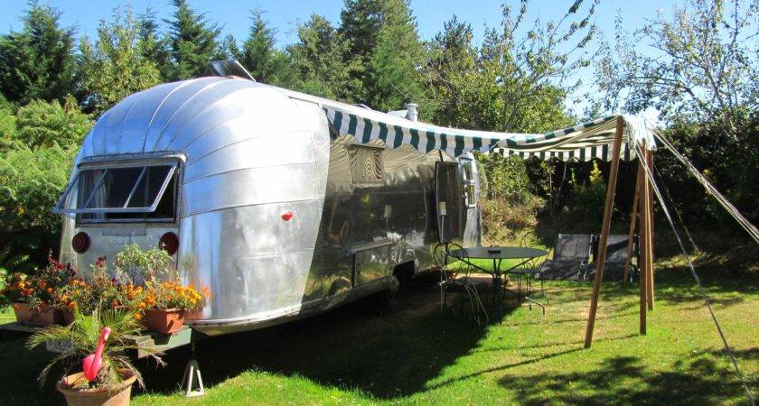Foot Safari Airstream Belrepayre Trailer Park