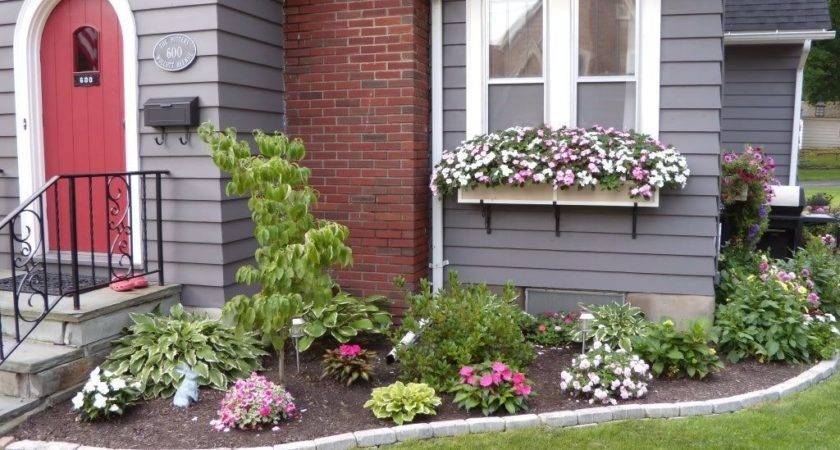 Front House Flower Bed Idea Maybe Redo Sooner Than