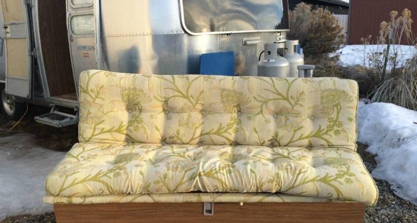 Gaucho Fold Down Bed Airstream Landyacht