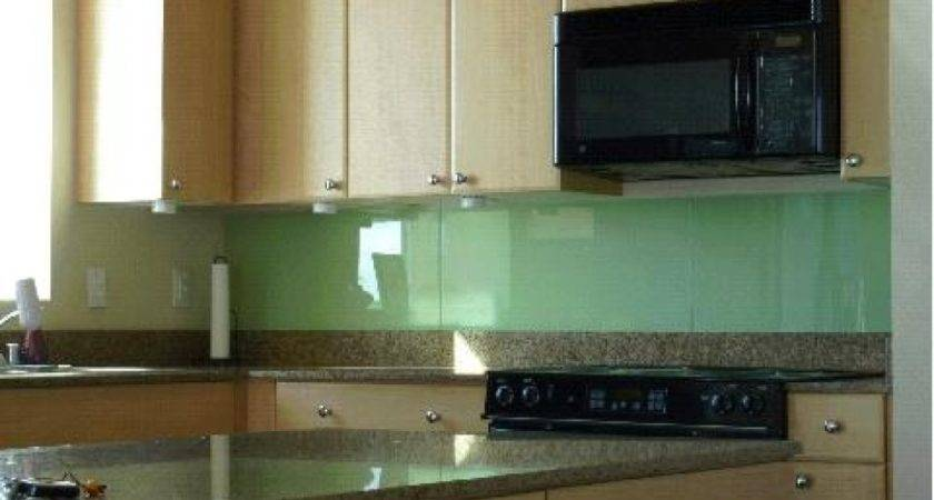 Glass Backsplash Design Ideas