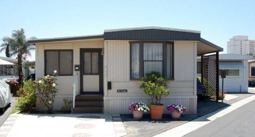Great Mobile Home Exterior Makeover Ideas Every