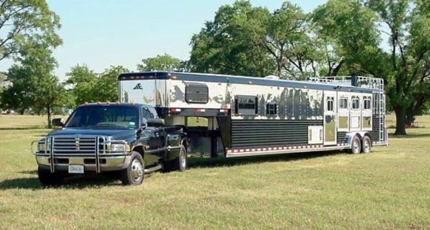 Horse Trailers Living Quarters Pulls