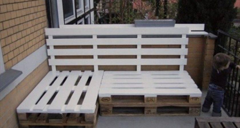 Indoor Outdoor Pallet Bench Sitting Area
