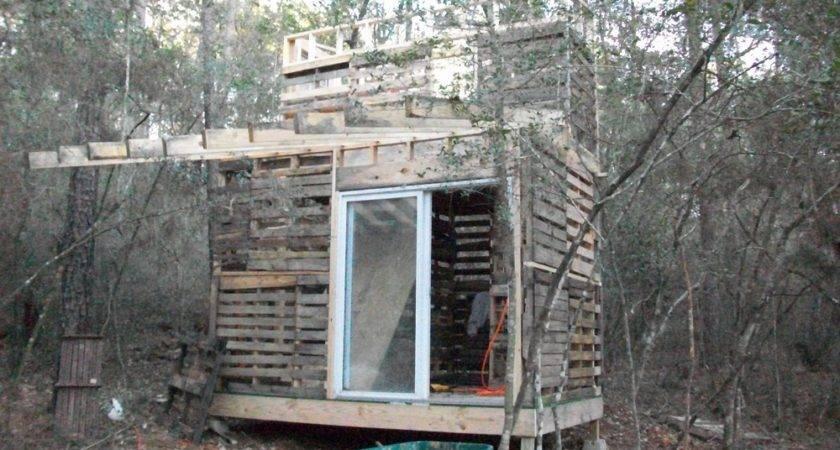Jovoto Pallet Houses House Challenge