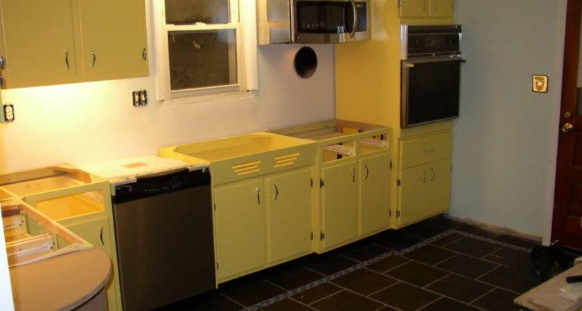 Kitchen Beauteous Decoration Using Yellow