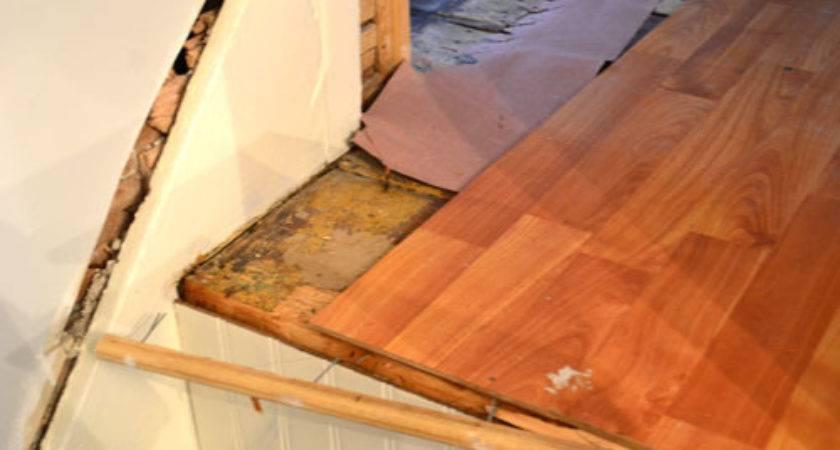 Laminate Flooring Put Down