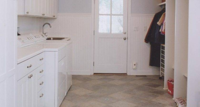 Let Sunshine Laundry Mudroom Traditional
