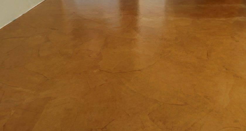 Live Learn Farm Leather Floor