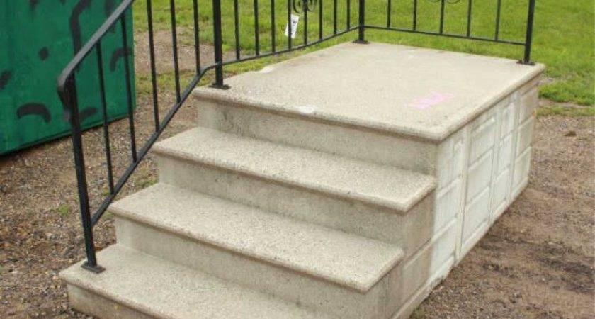 Lot Precast Concrete Steps