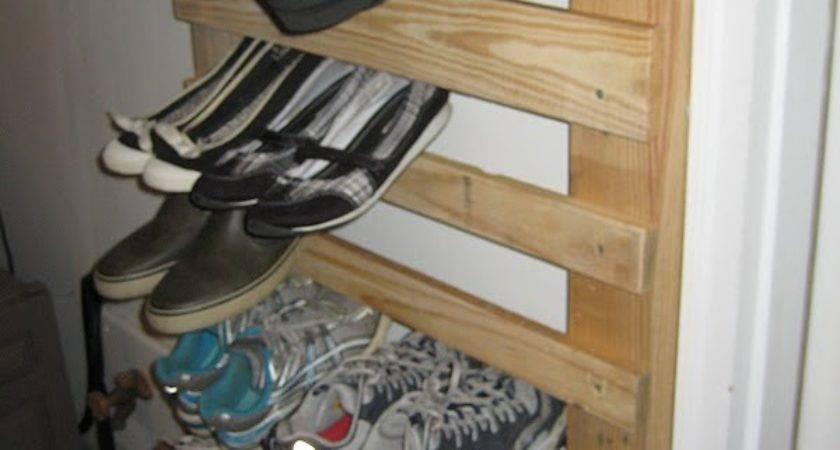 Lovelace Files Pallet Wood Shoe Rack