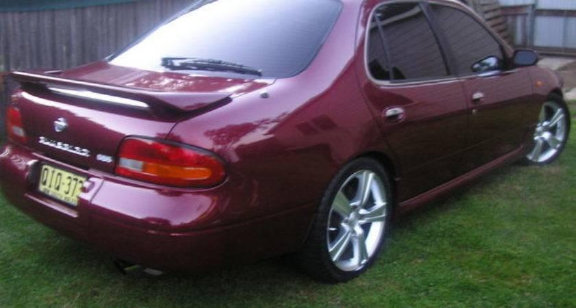Lowsss Nissan Bluebird Specs Photos Modification