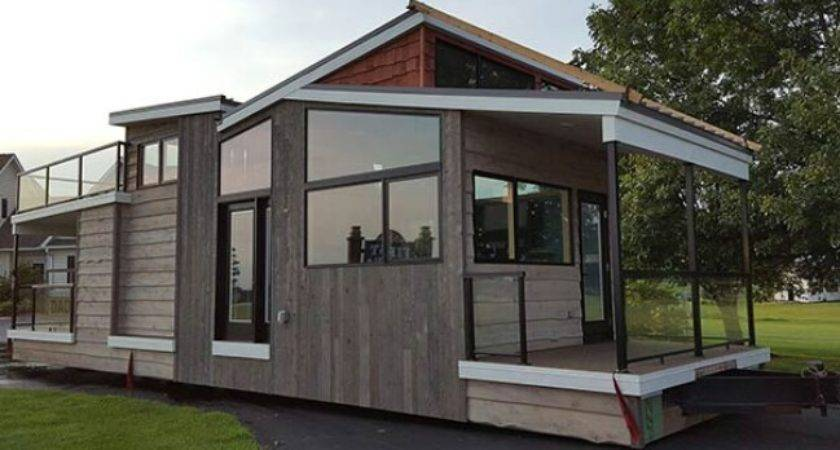 Luxurious Modern Tiny Home Wisconsin Utopian