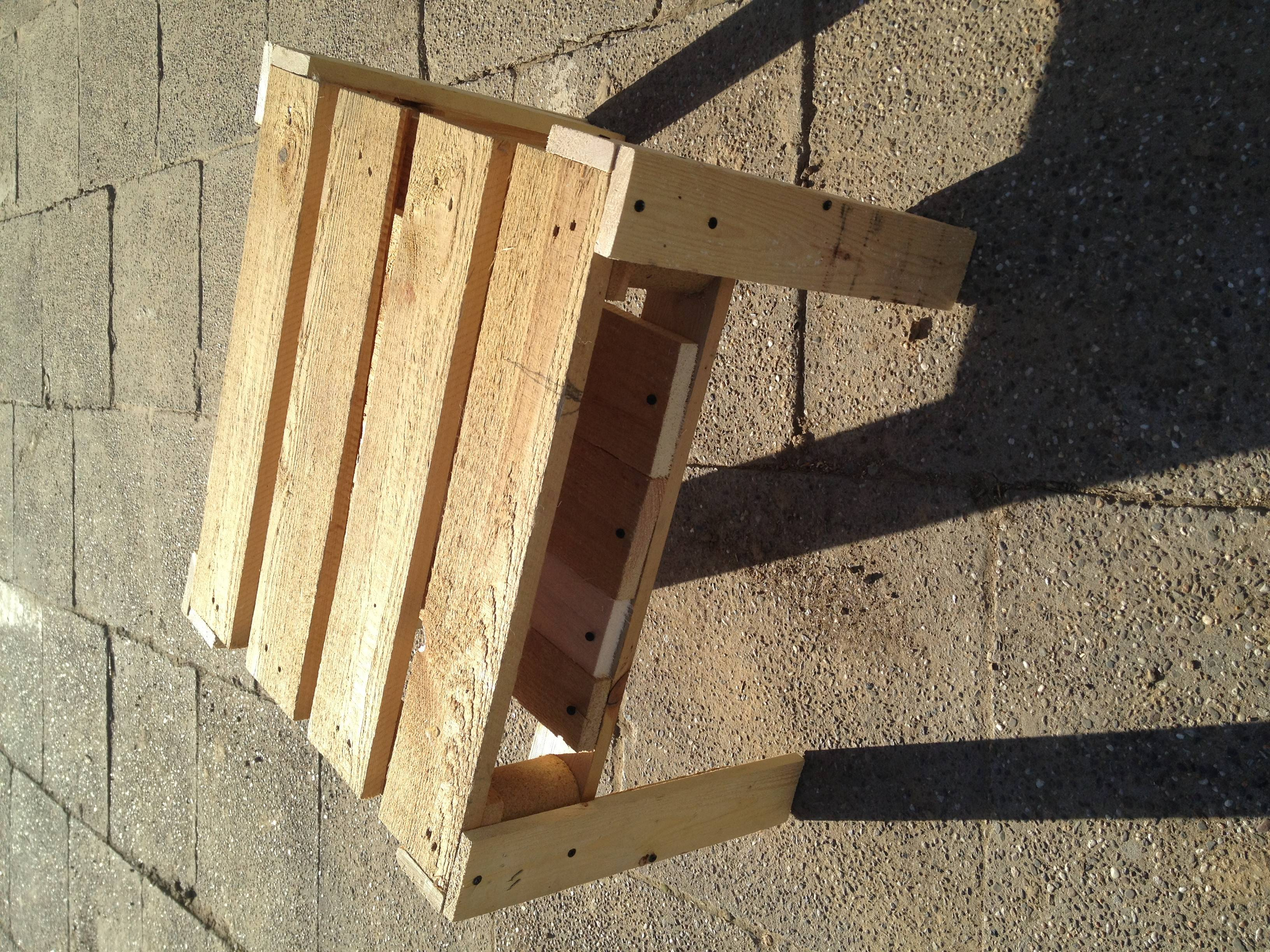 Made Pallet Wood Pallets Into Useful Things Tierra Este ...